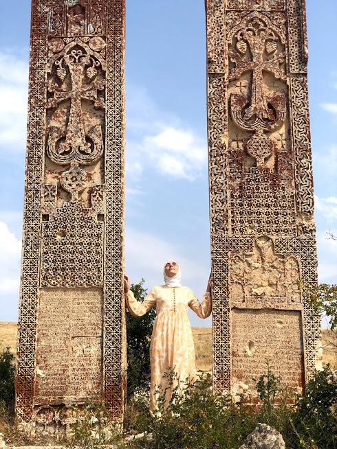 Abrenk Kilisesi Dikili Taşlar