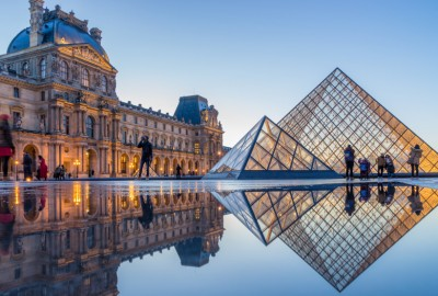 Louvre-Müzesi-kapak
